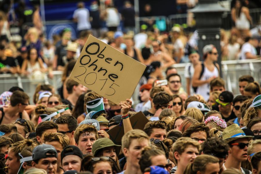 Crowd Oben Ohne 2015 Oben Ohne Open Air Oben Ohne Open Air
