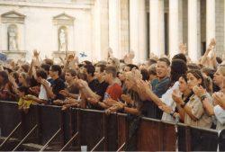Crowd OBEN OHNE 1998